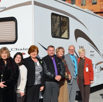 Rocky Mountain RV donates motorhome for UNM Mariposa Hospice Program