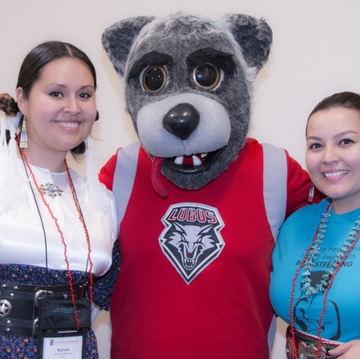 UNM College of Nursing alumni Nichelle Salazar and Brittany Simplicio