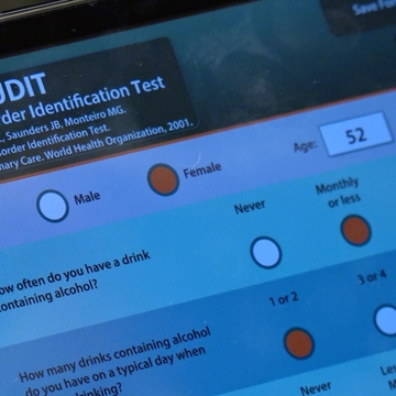 UNM School of Medicine develops 'PALMS' app to help patients manage alcohol use