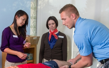 Physical therapy students lead community clinic