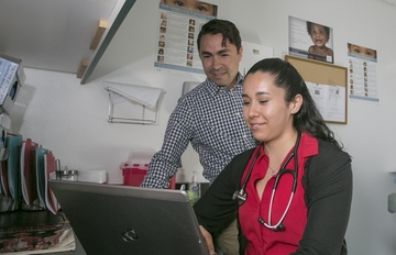 UNM medical students 'immersed' in rural medicine training