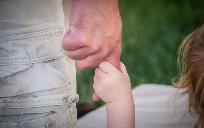 CHILD_HANDS-8377-1547 x 1031