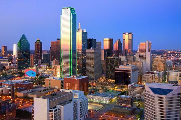 Dallas skyline by Robert Hensley