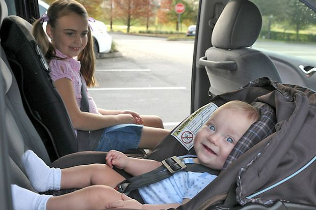 sister_baby carseat booster