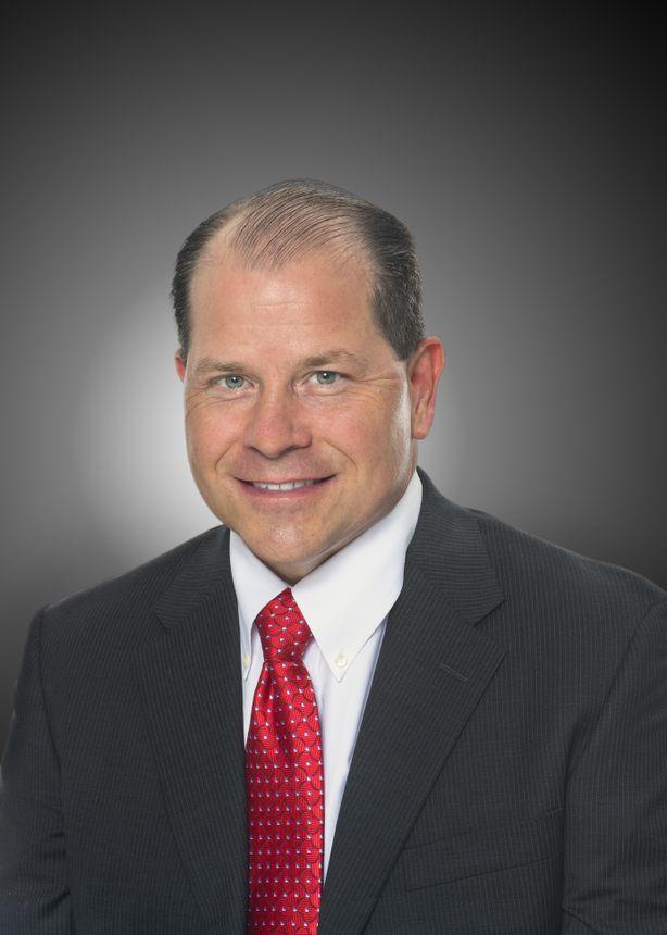Дэн Нейл (Dan Nale), Старший вице-президент направления программ, разработки и тестирования