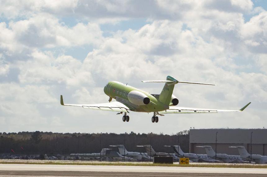 Gulfstream Aerospace Corp. объявила о том, что второй самолет Gulfstream G600 завершил свой первый полет.