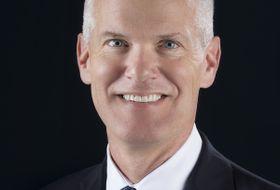 КОЛИН МИЛЛЕР (Colin Miller), Старший вице-президент по инновациям, конструкторским работам и летной эксплуатации