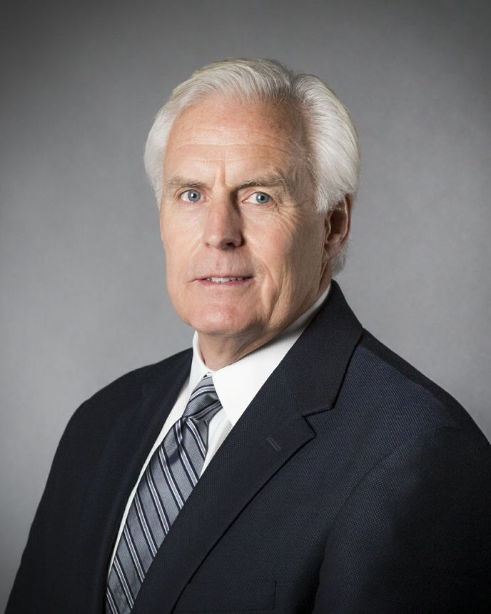 Dan Clare, 高级副总裁兼首席财务官