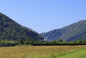GULFSTREAM G280在 难度极大的欧洲机场成功起降_Lugano, Switzerland