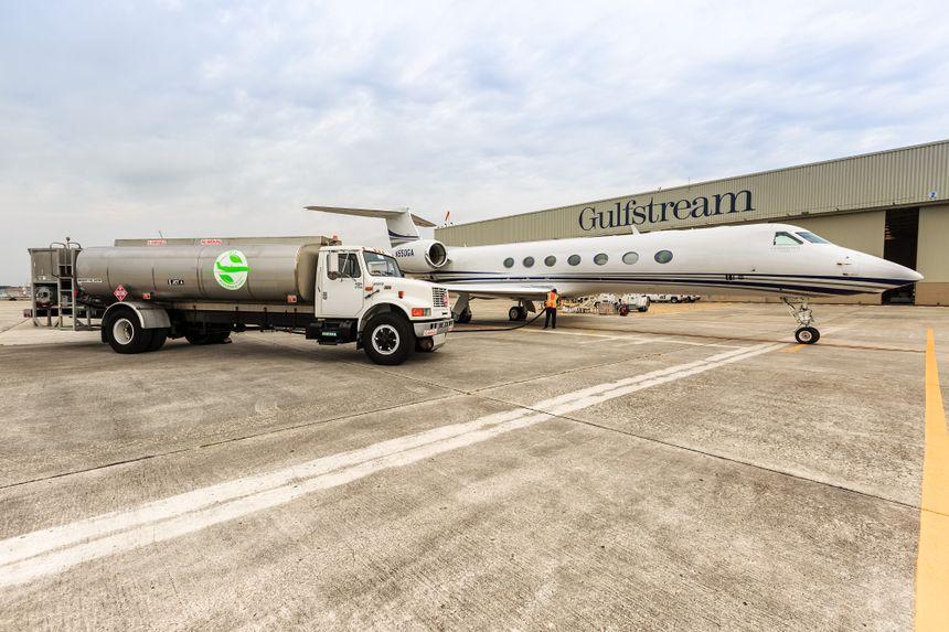 湾流宇航公司今天宣布,湾流萨凡纳机队使用SAF(可持续航空燃料)的飞行距离已突破一百万海里(185万公里)。
