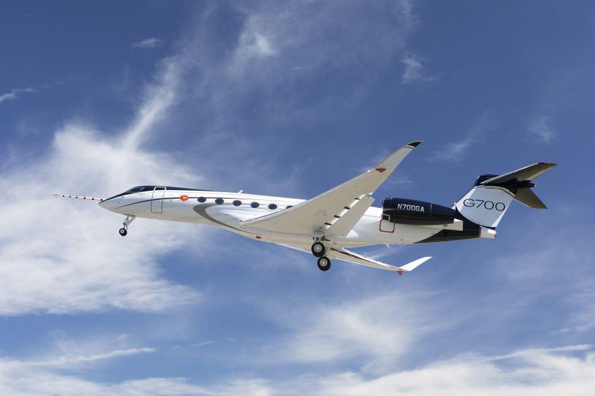 全新GULFSTREAM G700成功首飞