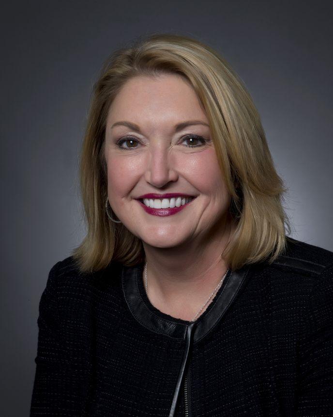 Cindy Halsey, vicepresidenta de Planificación y Diseño de Acabado