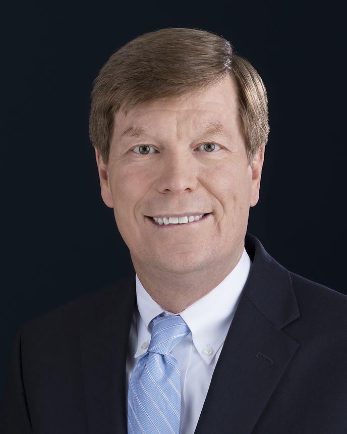 Dennis Stuligross, Vice-presidente sênior, Gerenciamento de Programas, Qualidade e Cadeia de Fornecimento