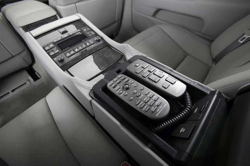 2009 Lexus LS 460 48