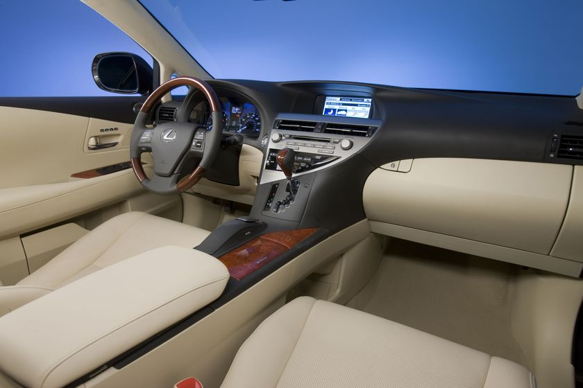 comparison news en vs srx test rx interior lexus trend cadillac motor