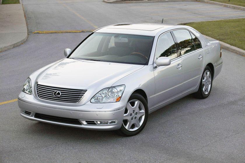 2005 Lexus LS 430 10