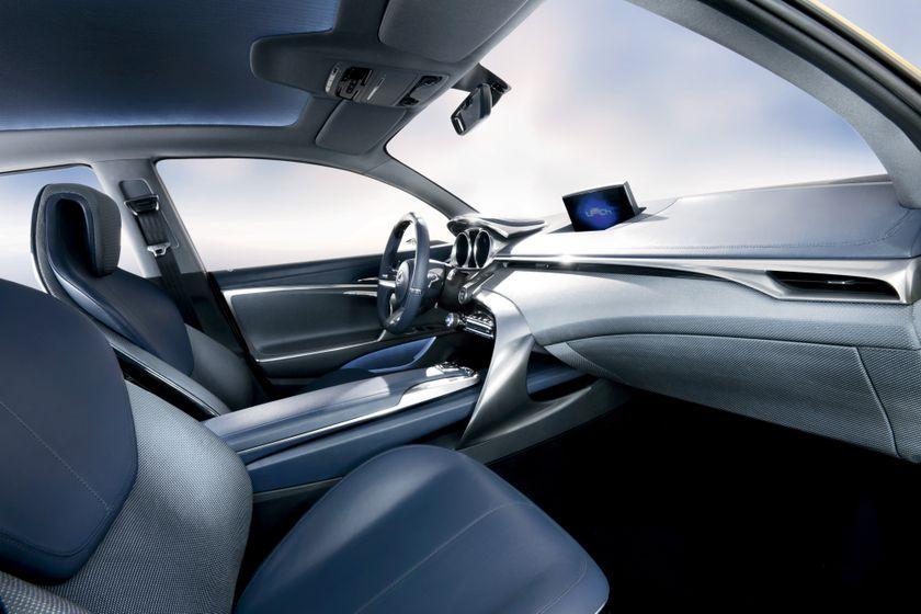 Lexus LF-Ch Concept 10