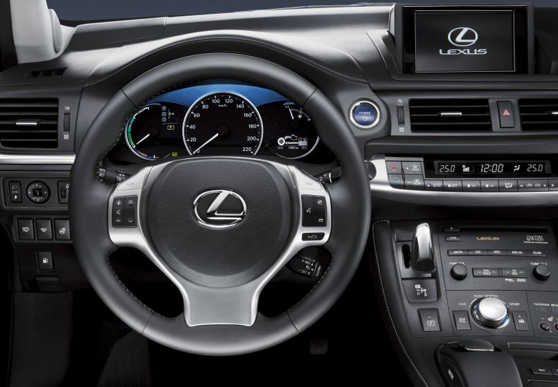 Lexus CT 200h INT 03