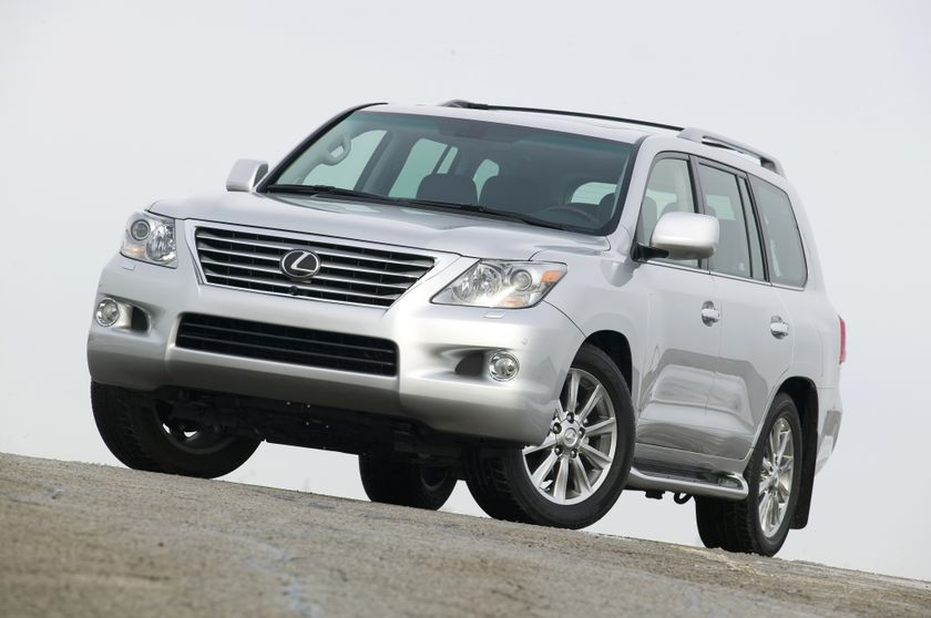 the 2011 lexus lx 570 flagship luxury suv delivers both on. Black Bedroom Furniture Sets. Home Design Ideas