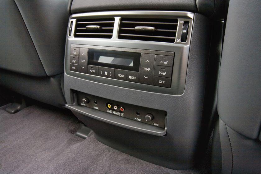 2011 Lexus LX 570 114