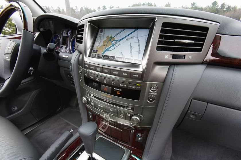 2011 Lexus LX 570 104