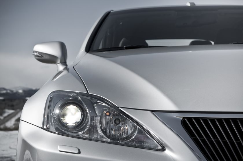2011 Lexus IS C 15