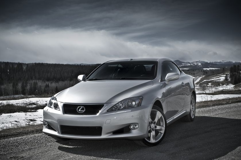 2011 Lexus IS C 01