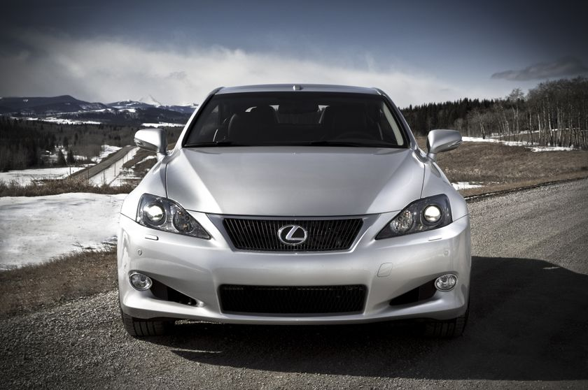 2011 Lexus IS C 03