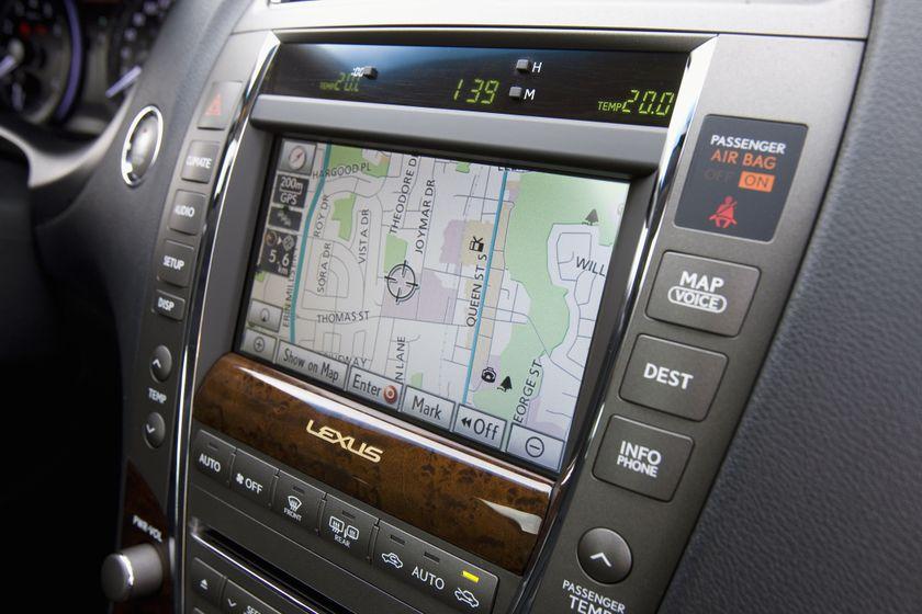 2011 Lexus ES350 27