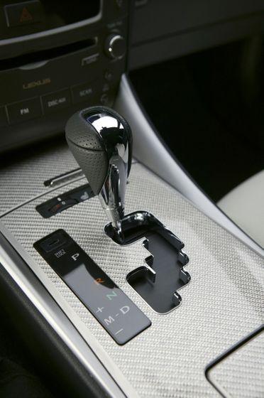 2011 Lexus IS F 16