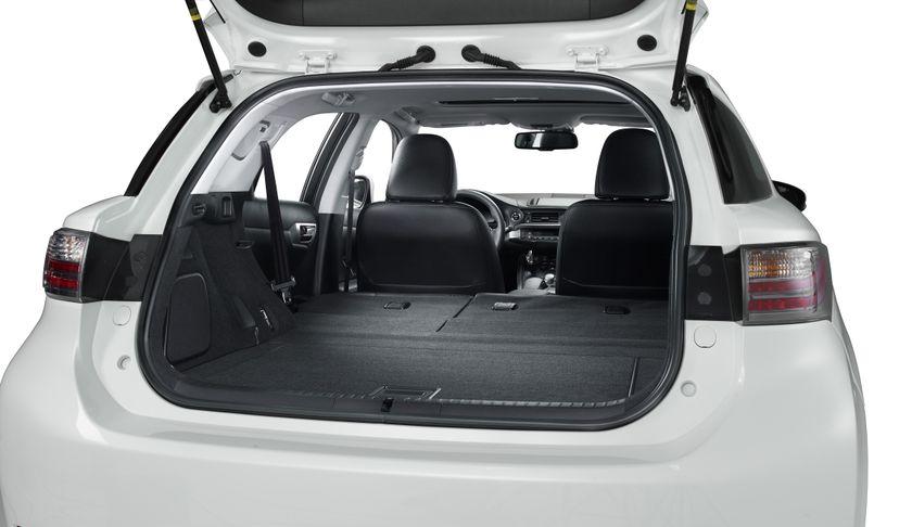 2011 Lexus CT200h 11