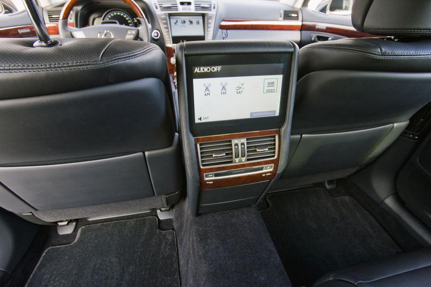 2011 Lexus LS 600h L 37