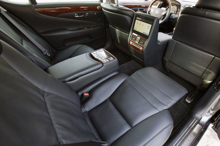 2011 Lexus LS 600h L 25