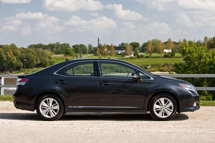 2011 Lexus HS250h 02