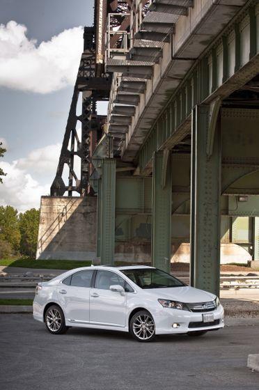 2011 Lexus HS250h 25