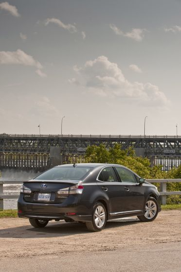 2011 Lexus HS250h 16