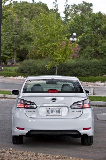 2011 Lexus HS250h 32