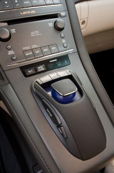 2011 Lexus HS250h 76