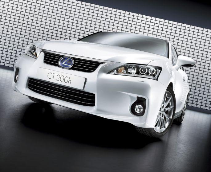 2011 Lexus CT200h 13