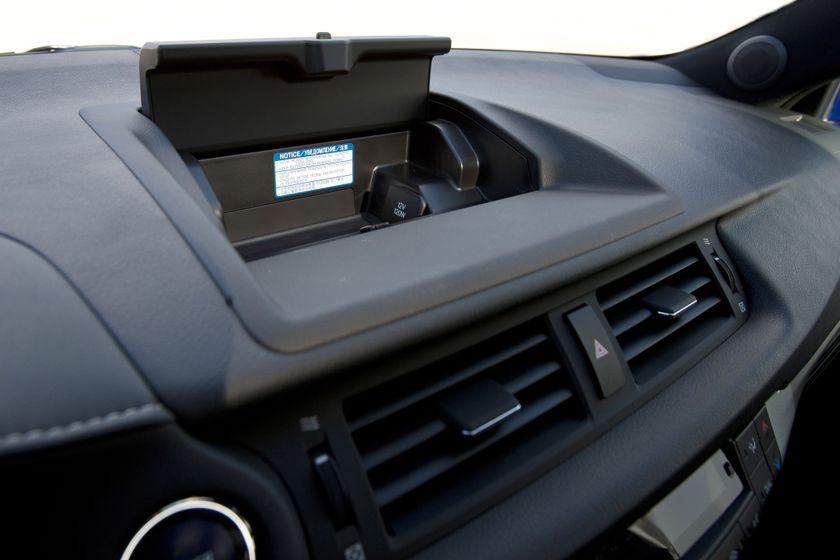 2012 Lexus CT 200h F-Sport 28