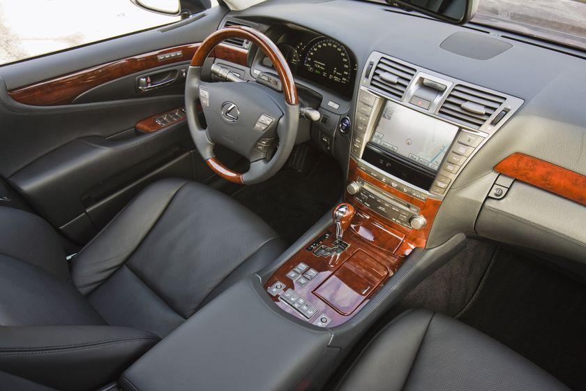 2012 Lexus LS 600h 23