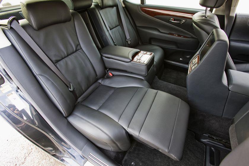 2012 Lexus LS 600h 26