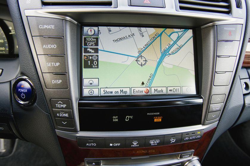 2012 Lexus LS 600h 36
