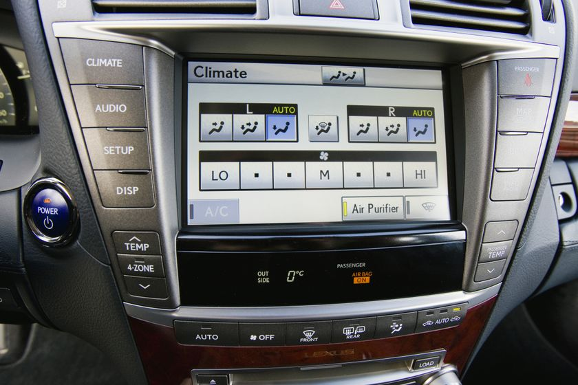 2012 Lexus LS 600h 37