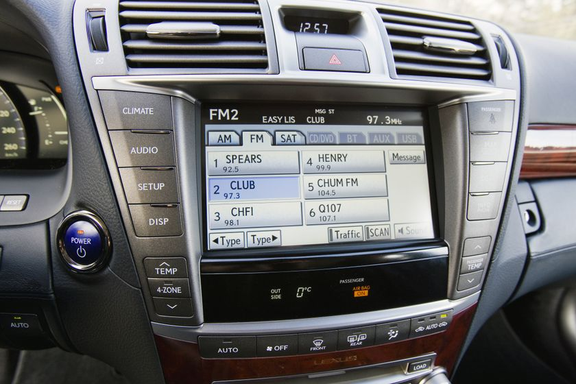 2012 Lexus LS 600h 41
