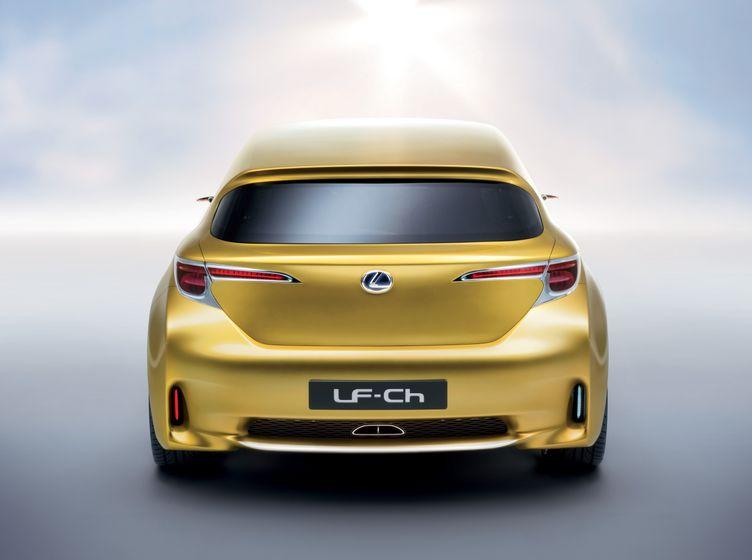 Lexus LF-Ch Concept 05