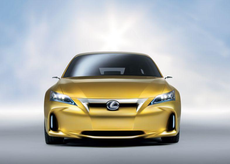 Lexus LF-Ch Concept 04