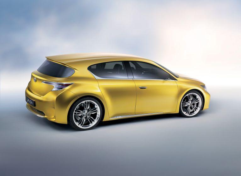 Lexus LF-Ch Concept 03