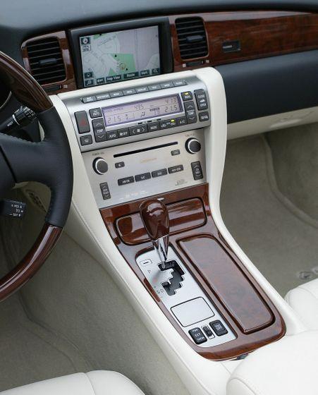 2010 SC 430 10