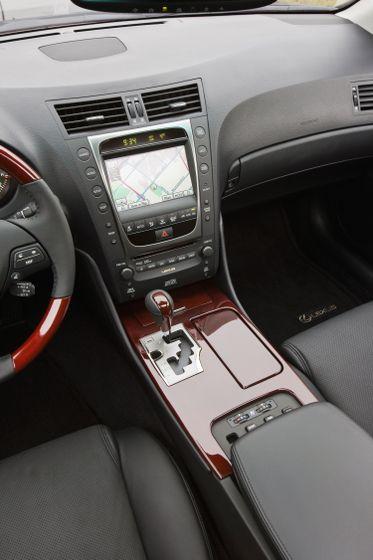2010 Lexus GS 450h 25